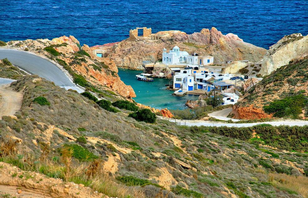 Cala Firopotamos, illa de Milos, Grècia.