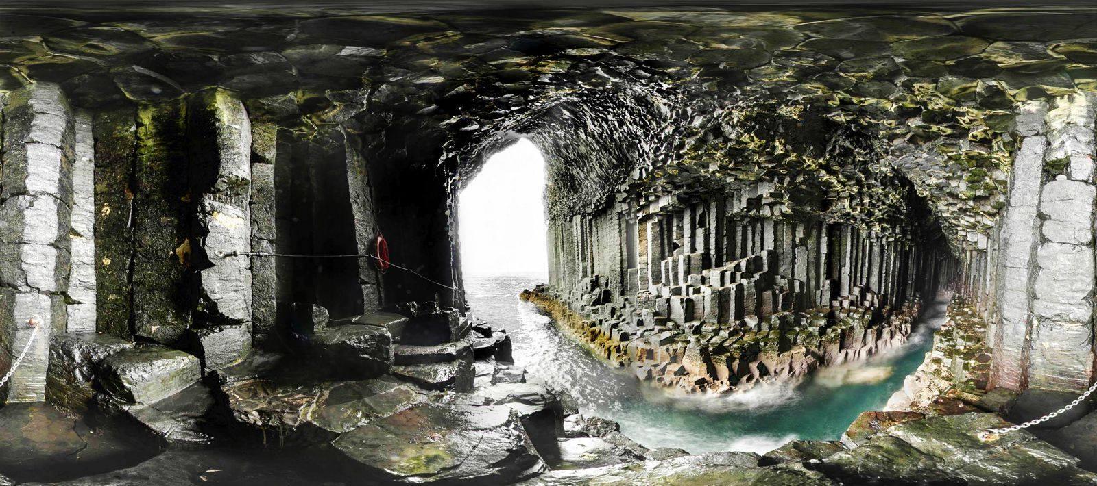 Cala cova de la musica a Staffa, Escocia.