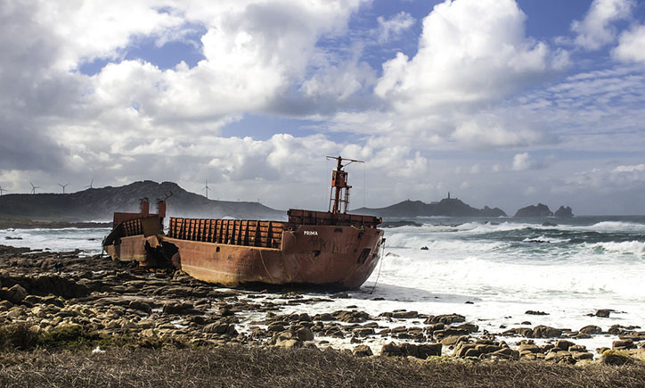 Naufragi davant el far del Cap Vilán, Costa de la Mort, La Curuna, Galícia.