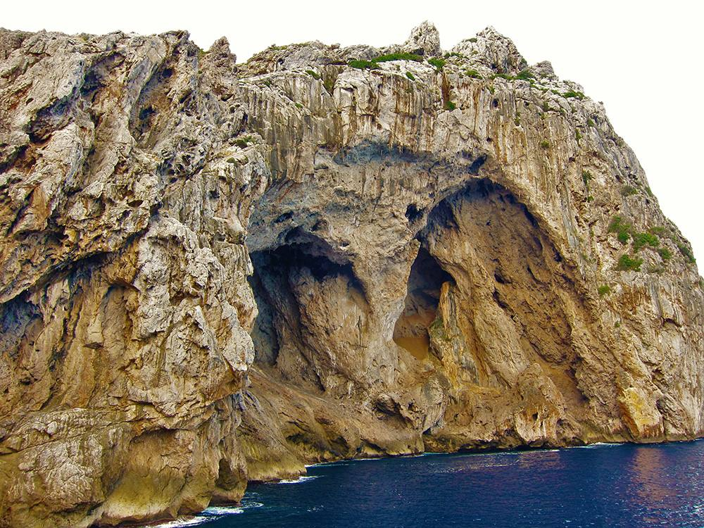 Cala coves de Ses Bruixes, Mallorca, Illes Balears.