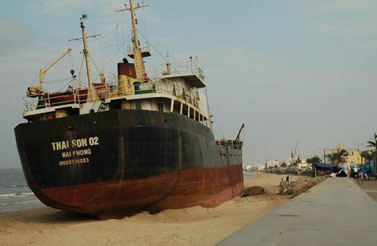 Vaixell de càrrega de 30 metres d'eslora, es troba a la ciutat de Da Nang.