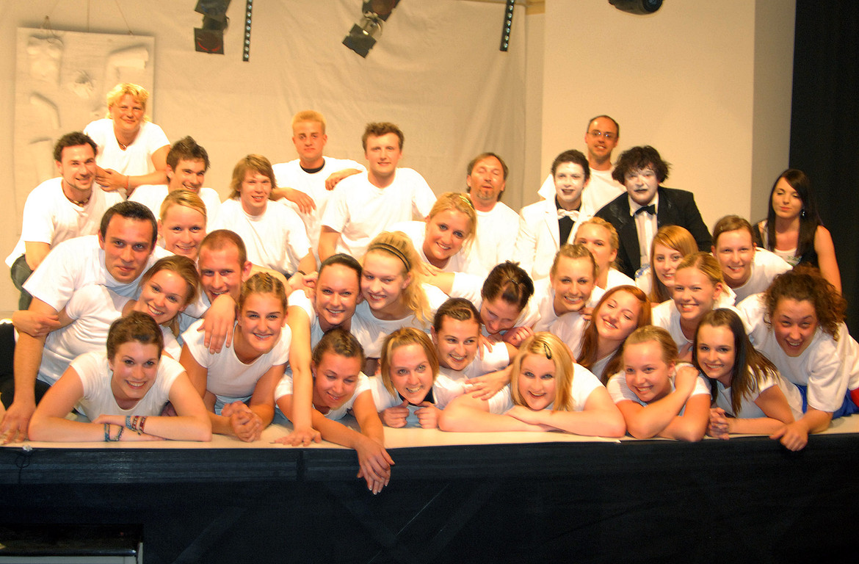 Teamfoto 2009 mit allen Mitwirkenden