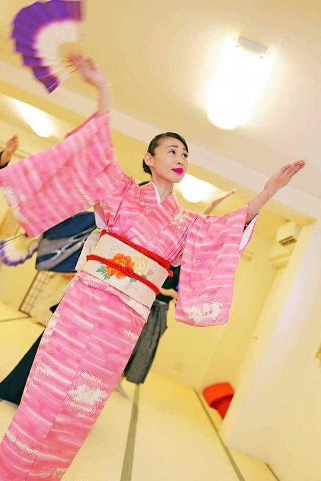 和文化紹介・和文化研究会・日本舞踊(紫派藤間流)