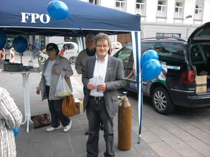 Infostand am Hauptplatz,...