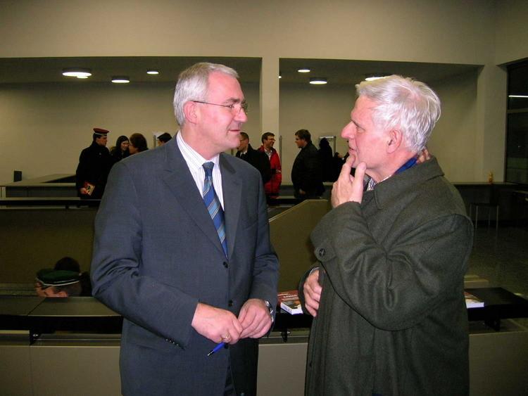 Der 3. Nationalratspräsident im Gespräch mit DI Allabauer aus Leoben,...