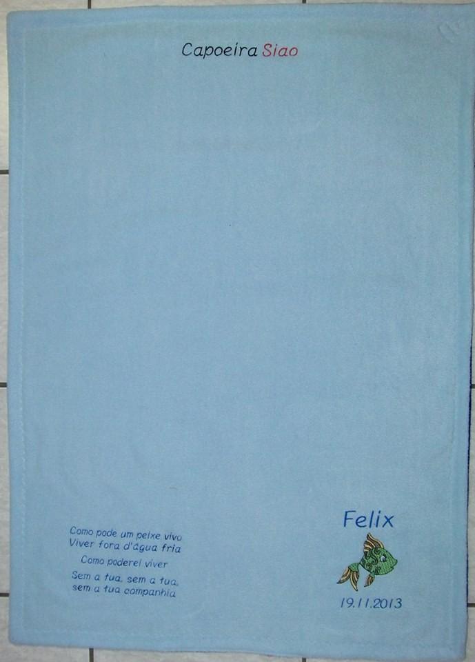 Nr. 19 Decke 1 lagig mit sehr viel Stickerei