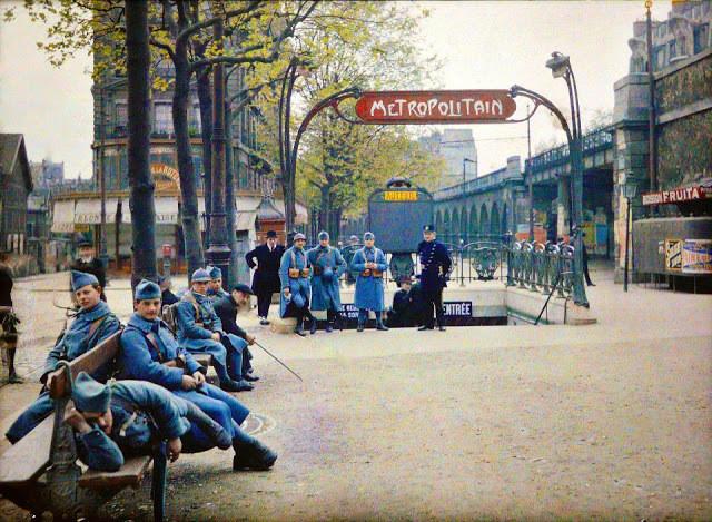 soldats, boulevard Exelsmans, Paris, 1920, musée Albert Kahn