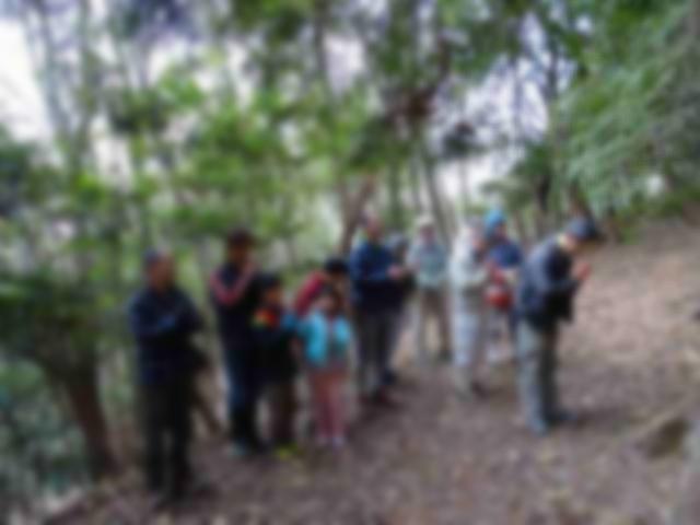 活動地の山に祀られている愛宕さんに皆で恒例の初詣に行きました。(モザイク使ってみました)