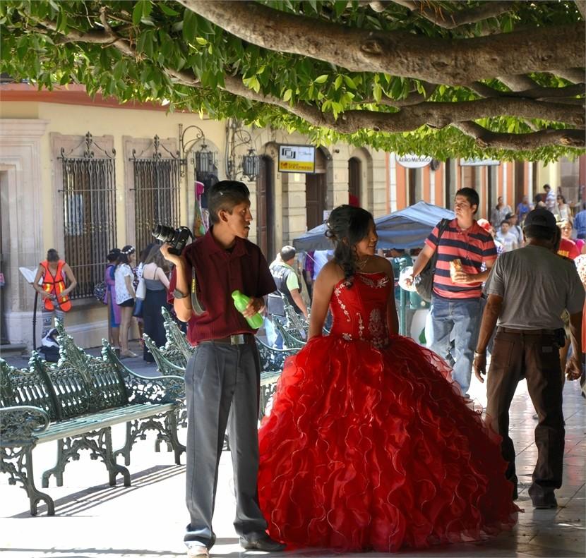 """""""quinceanera"""" Am 15. Geburtstag wird das Erwachsenwerden gefeiert"""