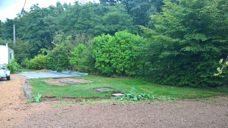 Ein neues Projekt: Steingarten vor dem Haus, über der Mikrostation