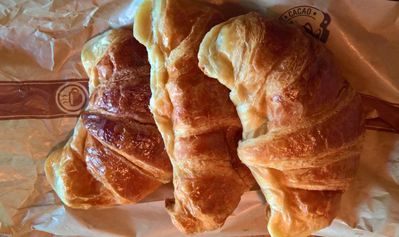 Sonntägliches Croissants-Frühstück