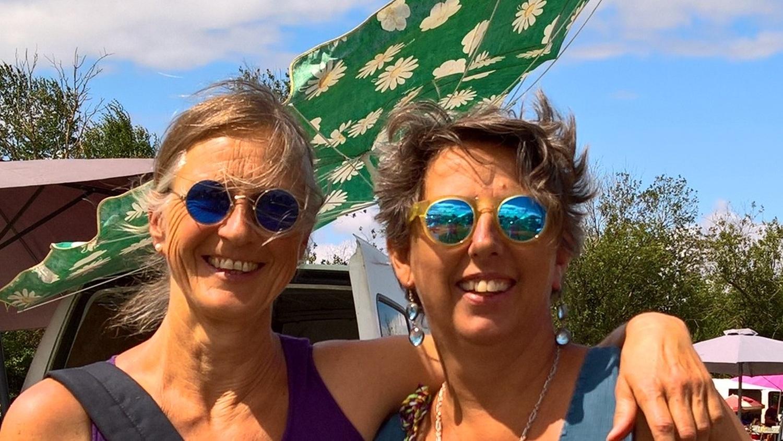 Annette und ich in Flohmarktstimmung