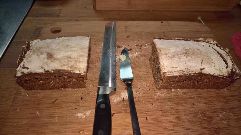 Das erste selbstgebackene Brot von Annette... ein Bric ;-)