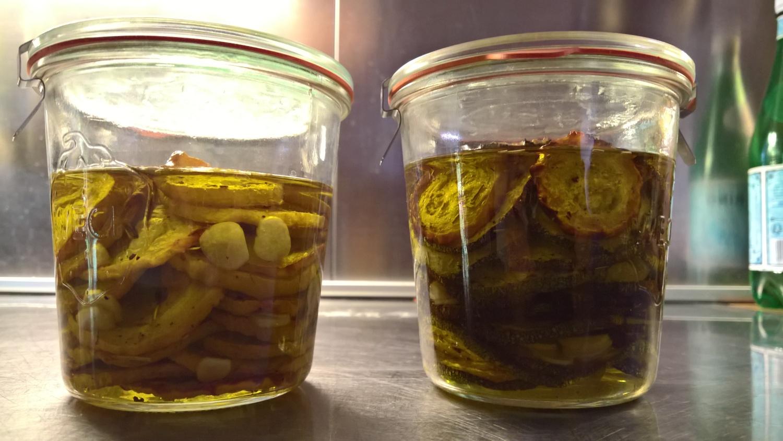 Zucchini eingemacht in Öl