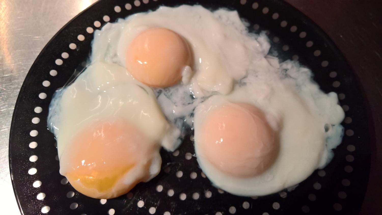 ein Versuch: pochierte Eier