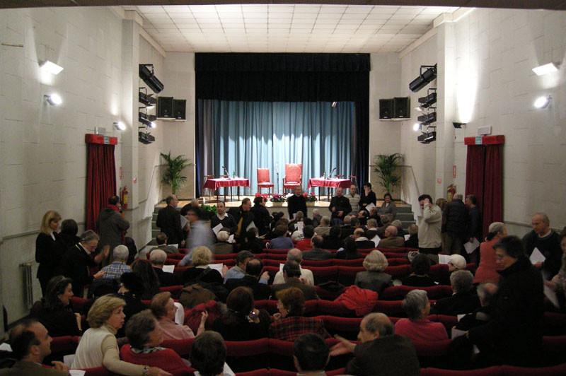 La sala ospita 190 spettatori