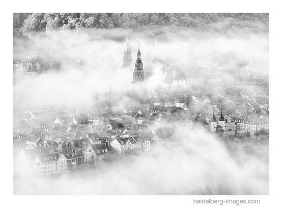 Archiv-Nr. h2014189 | Altstadt von Heidelberg im Morgennebel