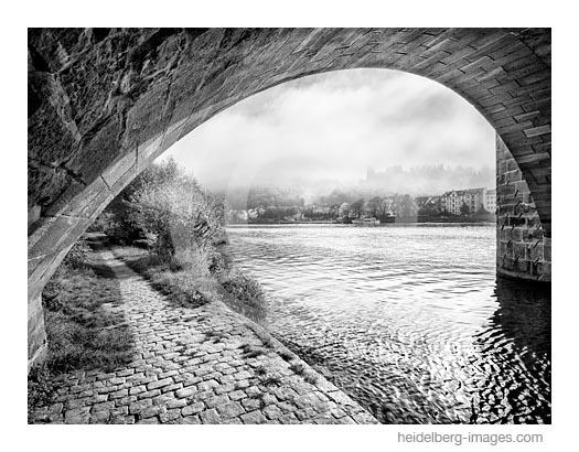 Archiv-Nr. h2016144 | Brückenbogen und Schlossblick