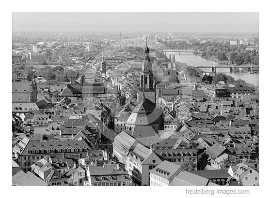 Archiv-Nr. h2000161 | Blick über die Altstadtdächer auf die Pfälzer Berge