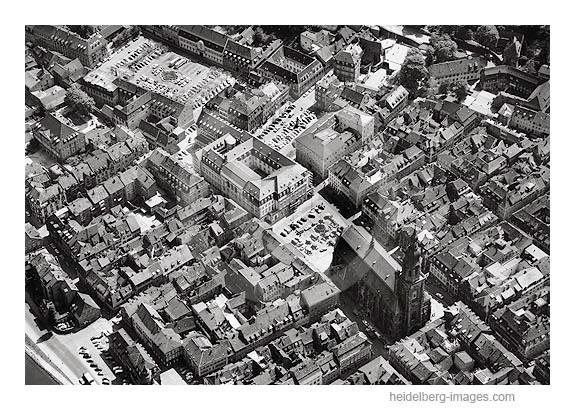 Archiv-Nr. L10_540 / Heiliggeistkirche u. Altstadt im Jahr 1962