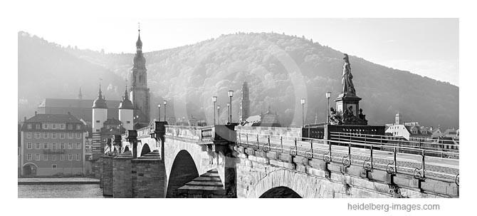 Archiv-Nr. h2005164 | Alte Brücke im Morgenlicht