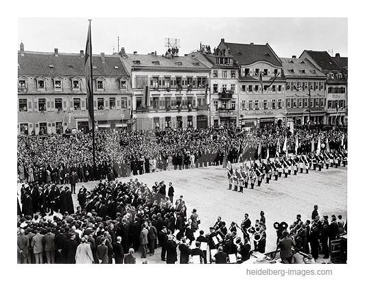 Archiv-Nr. h3027 / Feierlichkeiten auf dem Universitätsplatz