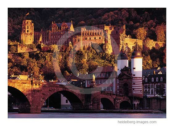 Archiv-Nr. hc98126 / Schlossblick mit Alter Brücke im Sonnenuntergang