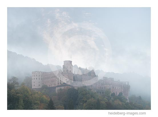 Archiv-Nr. hc2014166 / Schloss im Herbstnebel