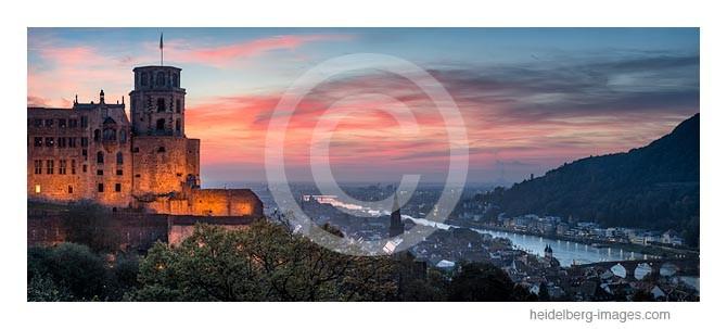 Archiv-Nr. hc2014175 / Heidelberg, Schloss und Altstadt im Abendlicht