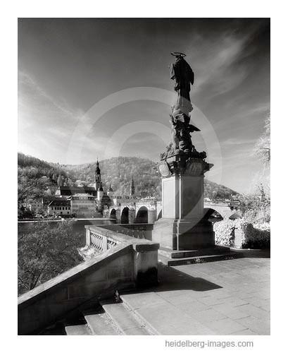 Archiv-Nr. h2005135 | Nepomuk-Denkmal und Alte Brücke