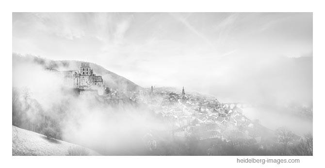 Archiv-Nr. h2020101 |  Heidelberg in den Wolken