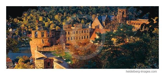 Archiv-Nr. hc94142 / Schlossturm im Herbstlicht
