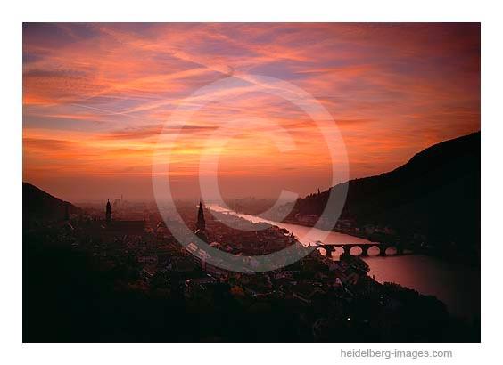 Archiv-Nr. hc 2008131 | Sonnenuntergang über Heidelberg und der Rheinebene