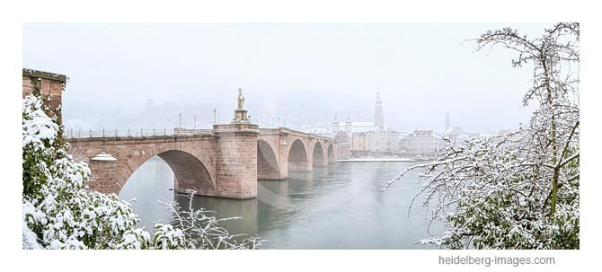 Archiv-Nr. hc2013109 / Alte Brücke im Winternebel