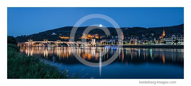 Archiv-Nr. hc2013136 / Mond über Heidelberg
