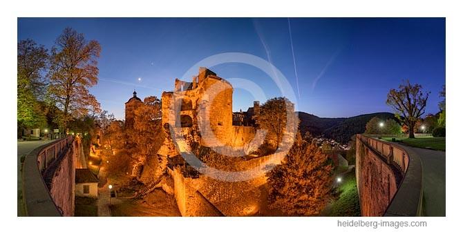 Archiv-Nr. hc2015127 / Beleuchtete Schlossruine