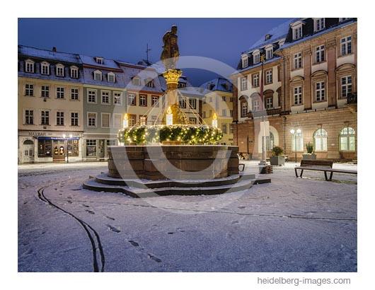 Archiv-Nr. hc2020191 | verschneiter Rathausplatz