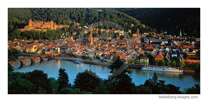 Archiv-Nr. hc2005141 | Heidelberger Altstadt im Abendlicht