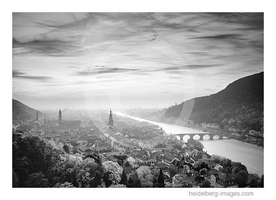 Archiv-Nr. h2008130 | Heidelberg im Sonnenuntergang