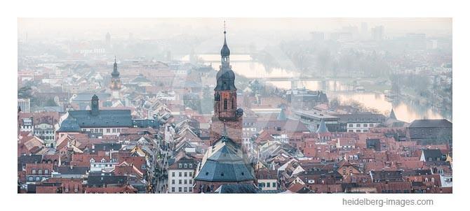 Archiv-Nr. hc2013111 | Heidelberg, Altstadt mit Heiliggeistkirche und Neckar im Sonnenuntergang