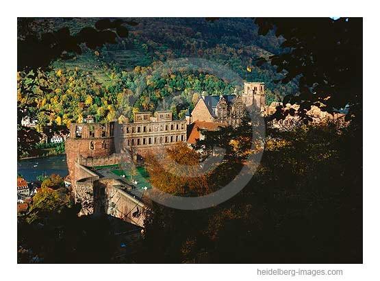 Archiv-Nr. hc94141 / Schloss im Herbst