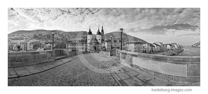 Archiv-Nr. h2011103 / Auf der Alten Brücke