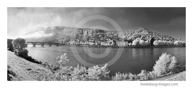 Archiv-Nr. h2000150 | Morgennebel über der Altstadt