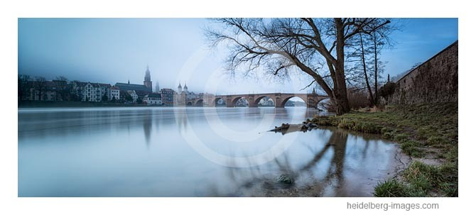 Archiv-Nr. hc2014134 / Herbstnebel an der Alten Brücke