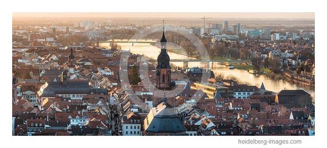 Archiv-Nr. hc2014112 | Heidelberg, Altstadt mit Heiliggeistkirche und Neckar im Sonnenuntergang