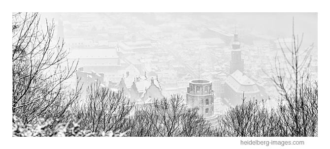 Archiv-Nr. h2013113 | verschneite Altstadt mit Schloss u. Heiliggeistkirche