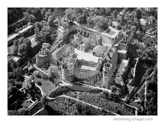 Archiv-Nr. L10_538 / Schlossansicht aus der Vogelperspektive
