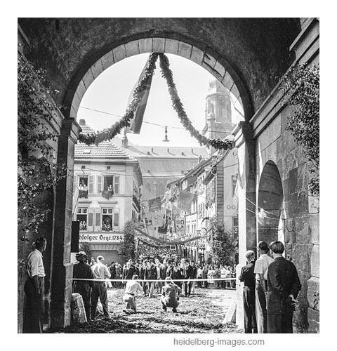 """Archiv-Nr. h4516-8 Einweihung der """"neuen"""" Alten Brücke am 26. Juli 1947"""