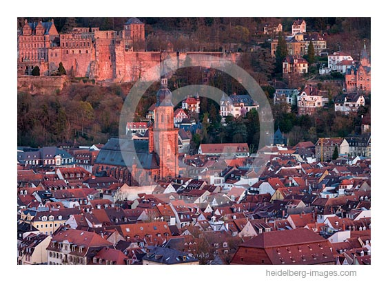 Archiv- Nr. hc2017117 / Heidelberger Altstadt im Abendlicht