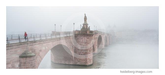 Archiv-Nr. hc2014108 |  Heidelberg,  Alte Brücke im Morgennebel